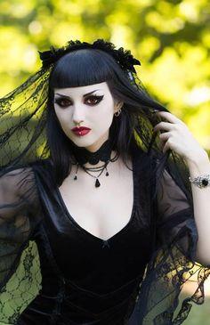 Obsidian Kerttu #GothicBeauty