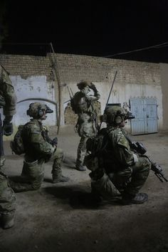 Military Police, Military Personnel, Military Art, Us Ranger, Airborne Ranger, Us Army Rangers, 75th Ranger Regiment, Military Special Forces, Military Pictures