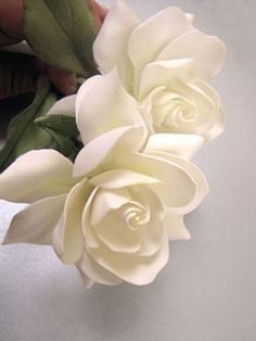 gardenia made of gum paste by Giovanna Smith