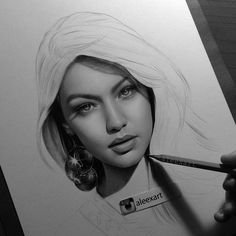 Painting woman face realism art 64 Ideas for 2019 Realistic Pencil Drawings, Pencil Drawing Tutorials, Pencil Art Drawings, Art Drawings Sketches, Portrait Sketches, Pencil Portrait, Portrait Art, Beauty Portrait, Female Face Drawing