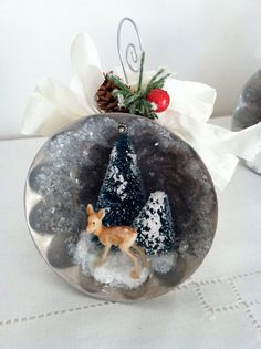 Vintage inspired Christmas diorama ornament in jello mold ...