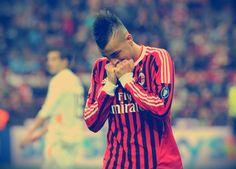 Milan ha iniziato decisamente male questa stagione, complice anche la sfortuna che ha decimato la squadra  http://tuttacronaca.wordpress.com/2013/09/25/quanto-mi-manchi-allegri-e-le-assenze-del-milan/