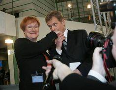 Juuri valittu presidentti Halonen - Sauli Niinistö onnittelee Finland, Historia