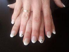Primeras uñas acrílicas redondas molde