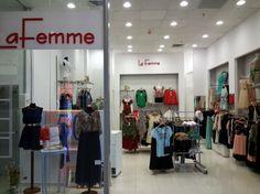 La Femme Romania a deschis un nou magazin de confectii in incinta Euromall din Pitesti.   Cu o suprafata de circa 100 mp, noul magazin foloseste o solutie monopost integrata, cu vanzare prin SmartCash POS, ca si celelalte unitati din retea. Iata schita de dotare a magazinului: http://www.magister.ro/portfolio/magazin-la-femme-euromall/ #retail
