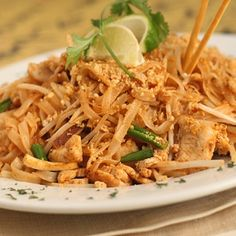 How To Make Chicken Pad Thai » Mouth-Watering Chicken Pad Thai Recipe