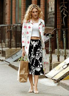 SATC Season Four - Carrie showing her talent for mixing prints in Prada and Marni.