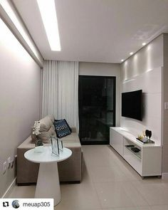 Ambiente com decoracao neutra #SalaEstar Living Room Tv Unit Designs, Small Living Room Design, Living Room Decor, Small Media Rooms, Small Apartment Decorating, Apartment Interior, Small Apartments, New Homes, House Styles