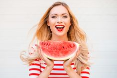 benefits of watermelon for weight loss ,Watermelon diet.water help to reduce fat and cholesterol,Eating Watermelon to weight loss Watermelon Benefits, Watermelon Nutrition Facts, Low Calorie Starters, Natural Metabolism Boosters, Amazing Food Hacks, Prebiotic Foods, Nigel Slater, Filling Food, Types Of Diets