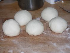 Placinta cu branza si spanac - Aluatul impartit in 5 bucati egale Eggs, Breakfast, Food, Morning Coffee, Essen, Egg, Meals, Yemek, Egg As Food