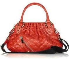 Love the simplicity and in my fav colour of the moment!  Want want want #marcjacobs #handbags #bagbrag #fashion