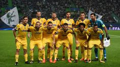Juventus squad lines up before the UEFA Champions League football match Sporting CP vs Juventus FC at the Jose Alvalade stadium in Lisbon on October 31, 2017. / AFP PHOTO / FRANCISCO LEONG