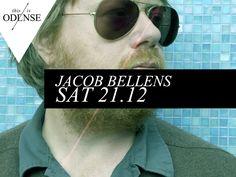 Giv dig selv det bedst tænkelige pusterum fra forbrugsfesten, og kom ind på Momentum til en aften i selskab med en af Danmarks bedste sangere og sangskrivere. #JacobBellens #Solokoncert #Momentum #odense #saturday #singer #songwriter www.thisisodense.dk/7079/solokoncert-med-jacob-bellens