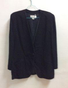 Setelan jas hitam Anne Klein II No. 14 made in China  1 kancing+2 kantong  Bawahan No. 14 Anne Klein II made in Hongkong  Resleting 1, Kancing 1  Banting harga karena mau pindah  Sale: IDR 1.000.000