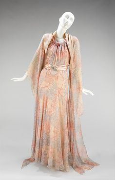 Madeleine Vionnet evening ensemble, circa 1936. Via @Metropolitan Museum of Art