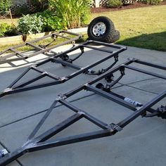 Group of friends building three 5' M-Series M416 trailers together. Here are their frames