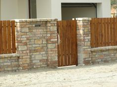 Fence Wall Design, Privacy Fence Designs, Yard Design, Brick Fence, Front Yard Fence, Wooden Fence, Flat Roof House Designs, Exterior Entry Doors, Compound Wall