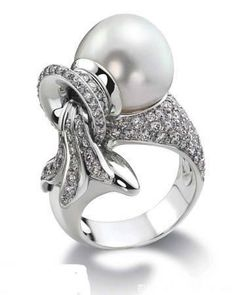 Diamond and pearl Ring by Cartier