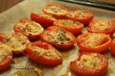 Ugnsbakade tomathalvor är perfekt plockmat som dessutom är helt glutenfritt! Det här inlägget ingår i bloggsamarbetet Månadens Gröna, där de bloggare som vill lagar mat på en gemensam råvara…