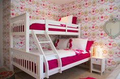 Colorful-Girls-Bedroom-with-Bunk-Bed