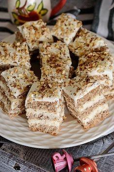 Krispie Treats, Rice Krispies, Food Cakes, Caramel, Sweets, Homemade, Cooking, Pastries, Cakes