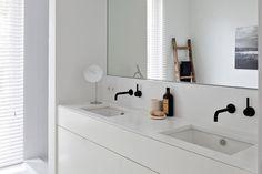 De madera oscura o clara; grandes o pequeños; con o sin espacio de guardado... Ocho propuestas para que imagines el vanitory que mejor se adapte a tu cuarto de baño