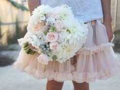 Ramo de novia romántico de Flowers by Bornay
