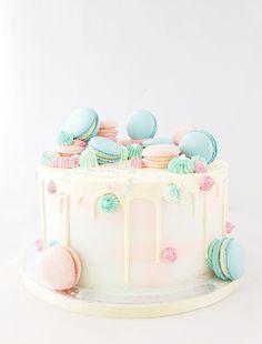 Cake Christmas Birthday For Men Ideas Cute Birthday Cakes, Beautiful Birthday Cakes, Beautiful Cakes, Amazing Cakes, Birthday Table, 30th Birthday, Bolo Drip Cake, Drip Cakes, Gateau Baby Shower