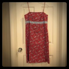 "Bundles 30% off - Ann Taylor dress Ann Taylor 100% cotton fully lined, spaghetti strap, sun dress. Length about 31 inches long. Pit to pit is about 15 1/4"". I wore as a size 4 and 6. Strap length is about 14 inches. Worn no more than 3 times.  Love it? Buy it; open to offers Ann Taylor Dresses"