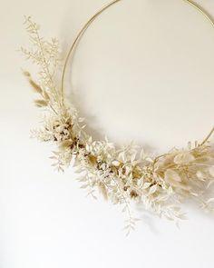 Dried Flower Wreaths, Fall Wreaths, Dried Flowers, Wreath Crafts, Diy Wreath, Baby Room Ideas Early Years, Diy Crafts Hacks, Diys, Couronne Diy
