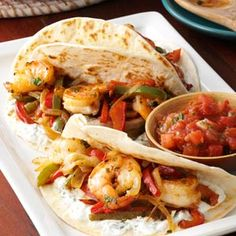 Shrimp Fajitas Recipe- Recipes I've lost 50 pounds recently and my husband, Jere, has lost We're always looking for tasty ways to keep the weight off. I think working moms would love it as much as we do because it's so quick and easy. Shrimp Recipes Easy, Fish Recipes, Seafood Recipes, Mexican Food Recipes, Cooking Recipes, Healthy Recipes, Ethnic Recipes, Mexican Dinners, Grilling Recipes