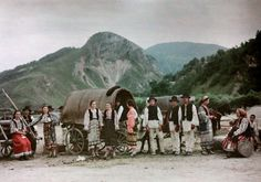 27 Rare and Fascinating Color Photographs of Romania in the 1930s