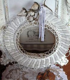 Spiegel - Vintage.Shabby Chic Spiegel.Weiß. - ein Designerstück von Vintage--Kiosk bei DaWanda