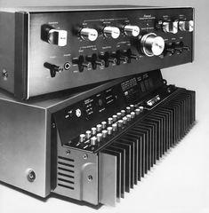 SANSUI AU-7900 & 6900 Pre-main Amp - 1976