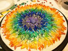 Rainbow Mosaic Mandala in Process - Cool Glass Art Designs Glass Fusing Projects, Stained Glass Projects, Stained Glass Art, Mosaic Crafts, Mosaic Projects, Mosaic Art, Fused Glass Bowl, Slumped Glass, Glass Fusion Ideas