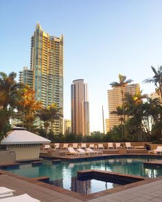 The early bird gets the worm (and the pool all to yourself)  happy Sunday from sunny Australia!!! Can you believe this is nearly winter!? @visitgoldcoast @qtgoldcoast by worldwanderlust