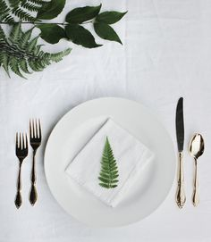 Fern & Fig Table Setting @themerrythought
