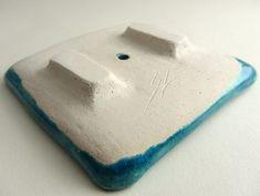 ceramics / pottery / clay techniques: ideas for soap dish feet