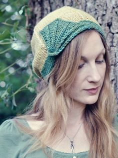 This hat is adorable and the knitting pattern is free
