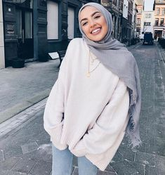 Muslim Fashion 647111040191679123 - 36 Lovely Hijab Accessories That Make You Beautiful These days, Muslim or Islamic children have a wide range of choices when it comes to Kids hijab. There are innumerable styles to select when Source by wiamverdun Modest Fashion Hijab, Modern Hijab Fashion, Casual Hijab Outfit, Street Hijab Fashion, Hijab Chic, Muslim Fashion, Fashion Outfits, Fashion Fashion, Latest Fashion