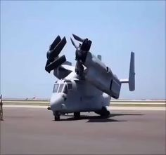 Osprey stretching it's wings 👍 via Osprey Helicopter, Osprey Aircraft, Military Helicopter, Military Jets, Fighter Aircraft, Russian Military Aircraft, Stealth Aircraft, Attack Helicopter, Navy Aircraft