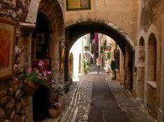 南フランス 香水の街グラースの街並み