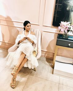 """""""Summer's coming... #lovemarieXwhites"""" Heart Evangelista Style, Classy Aesthetic, Poses, Classy And Fabulous, Classy Women, Classy Outfits, Couture Fashion, Celebrity Style, Celebs"""