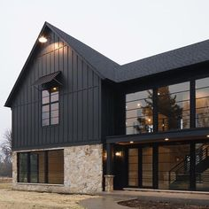 Modern house with new farmhouse exterior design pulling out country charm and warm welcoming display Image 37 - SHAIROOM. Metal Building Homes, Metal Homes, Building A House, Farmhouse Architecture, Modern Farmhouse Exterior, Farmhouse Style, Rustic Style, Italian Farmhouse, Texas Farmhouse