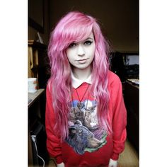 Untitled We Heart It ❤ liked on Polyvore featuring hair, people, girls, hairstyles and pink hair