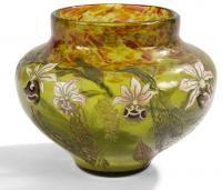 Lot : Émile GALLÉ (1846-1904)  - Vigne vierge de Virginie  - Vase balustre méplat à col[...] | Dans la vente Arts Décoratifs et Sculptures du XXème siècle à Ader