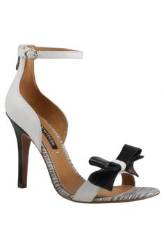 The perfect spring/ summer shoe now available at Trendscend Zindigo