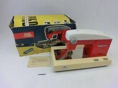 Piko-Nähmaschine-Elektra-OVP-DDR-Spielzeug-Kult-Ostalgie.jpg (JPEG-Grafik, 800 × 600 Pixel)