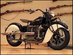 T182 1941 Indian  4 Cyl  Photo 1