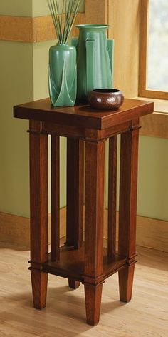 Craftsman Influence - Plant stand reproduced from Frank Lloyd Wright's original design for the Susan Lawrence Dana House (Springfield, Illinois, -- Reproduction vases (Teco Four Buttress Vase & Teco Rocket Vase) Craftsman Style Furniture, Mission Style Furniture, Craftsman Decor, Craftsman Style Homes, Arts And Crafts Furniture, Wood Furniture, Furniture Design, Jugendstil Design, Art And Craft Design